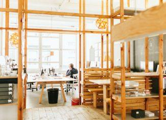Viele schätzen die kreative Atmosphäre eines Coworking Spaces / Foto: betahaus, Danique van Kesteren